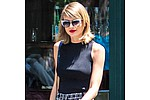 Taylor Swift falls on her face in new Apple Music advertisement - Taylor Swift fell flat on her face trying to rap along to Drake in a hilarious new advertisement …