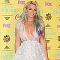 Britney Spears stuns little sister at Grand Ole Opry gig - Britney Spears' latest family reunion turned into a real tearjerker after joining sister Jamie Lynn …