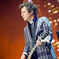 Green Day touring guitarist diagnosed with tonsil cancer - Green Day touring guitarist Jason White is being treated for cancer of the tonsil according to …