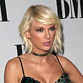 Taylor Swift performs at fan's wedding - Taylor Swift made a fan's nuptials unforgettable when she made a surprise appearance at their …
