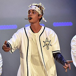 Justin Bieber to press on with Orlando show despite security concerns