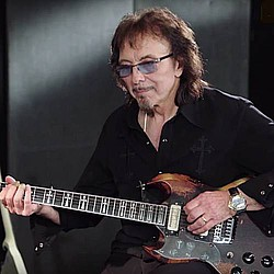 Tony Iommi: 'Cancer is in remission'