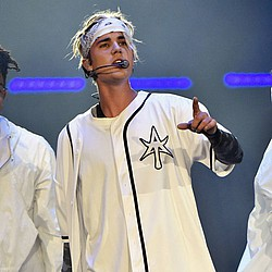 Justin Bieber says Sorry to Argentinian fans after concert 'ban'